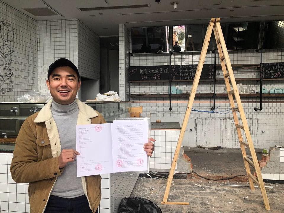 Finally, a lease signed for our next-level pizzeria in Hangzhou